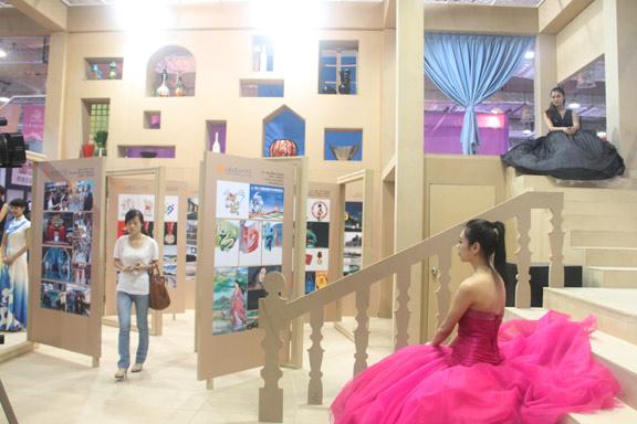 山东工艺美术学院创意设计展区亮相山东文博会